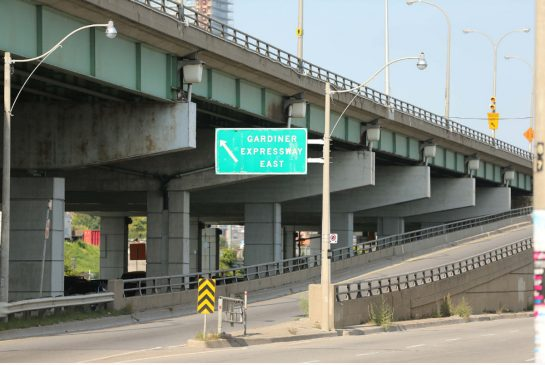 Why tearing down 1.7km of the Gardiner Expressway is the cheapest option